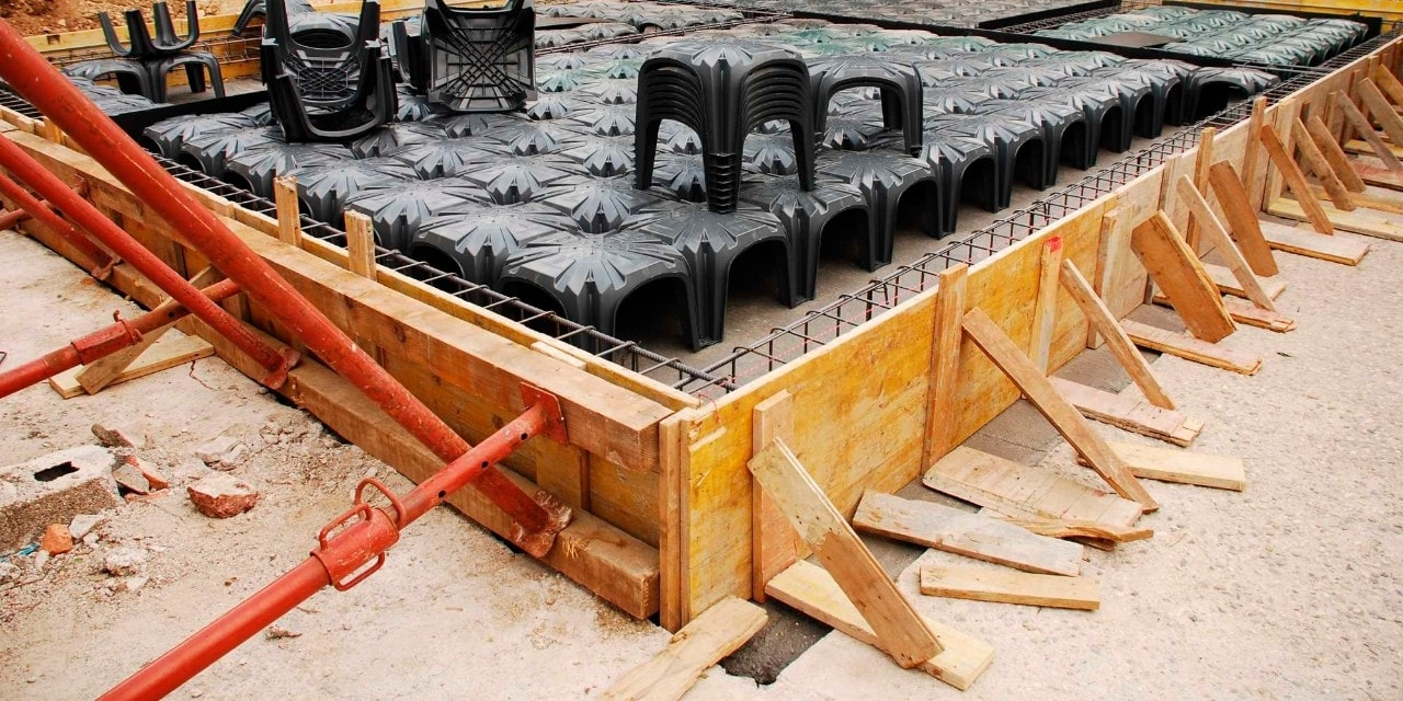 Reduce long setup times by using Hilti Screw anchors to secure your props and formwork panels to the concrete base.