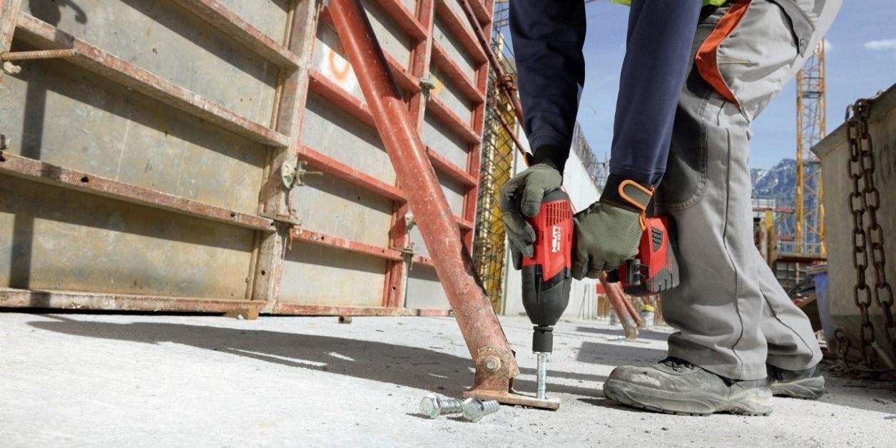 Swap your traditional stud anchors for faster Hilti HUS3 Screw anchors to reduce costs by improving productivity.